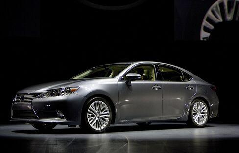 Lexus U.S. Sales Gain 34% to Push Past Mercedes, BMW in August