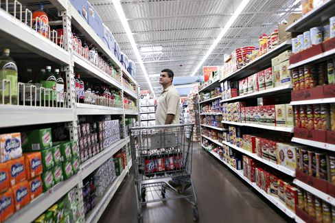 Wal-Mart Brings in Consultants to Keep Shelves Stocked