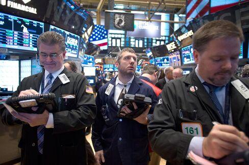 U.S. Stocks Advance Amid Better-Than-Estimated Housing Report