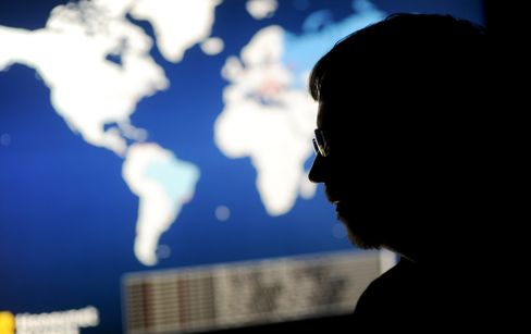 Obama Presses Xi on Cyber Attacks Amid U.S. Focus on Hacking