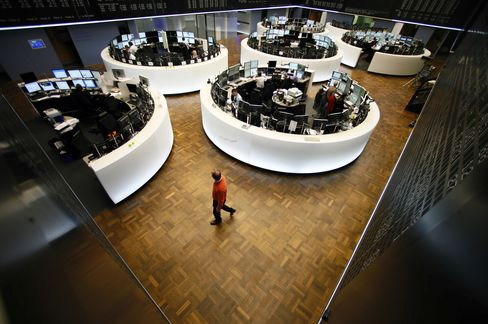 European Stocks Retreat for Second Day, Extending One-Month Low
