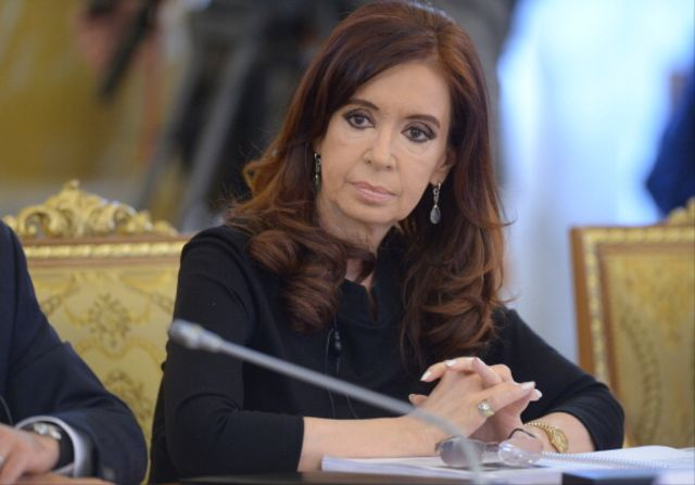 Now thatshe's lost, Cristina Fernandez deKirchner can be smart or strong --but not both.