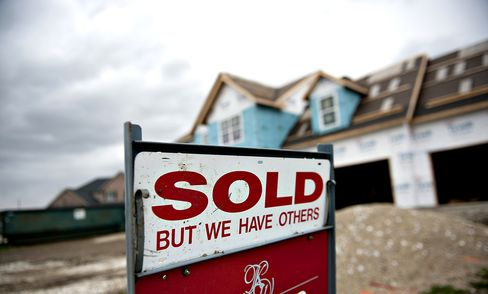 Housing Doomsayers Defied as Foreclosure Wave Averted