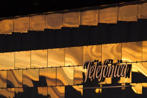 Telefonica Said to Consider Sale of German Fixed-Line Assets