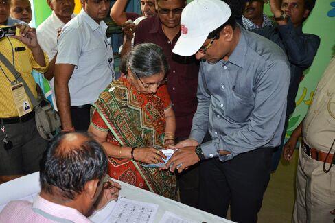 Jashoda Modi Arrives To Vote