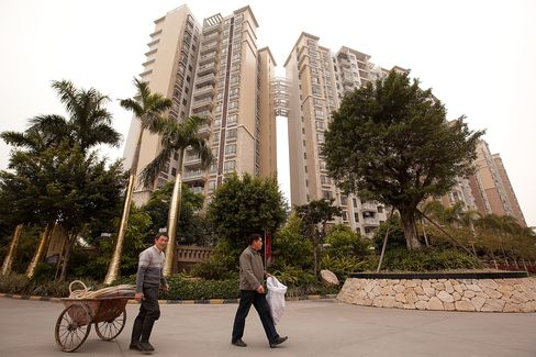 Home Prices to Fall This Year, Central Bank Adviser Says