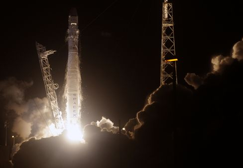 Musk's SpaceX Launches Craft to Begin Space Station Deliveries