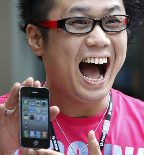 Apple Joins Top Five Handset Makers Worldwide as Nokia Slips
