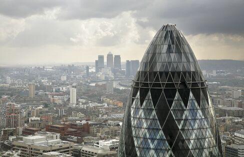 Italy, Spain Ratings Cut by Moody's as U.K. Top Rank at Risk