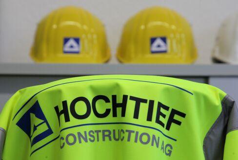 Hochtief Said to Revive Airports Sale With Deutsche Bank Help