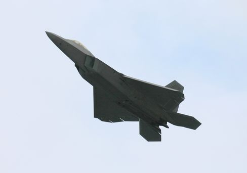 F-22 Pilots Told to Stop Wearing Pressure Vest Routinely