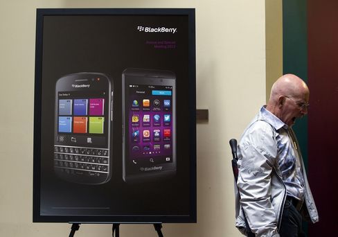 BlackBerry to Fire 4,500, Write Down $960 Million in Inventory