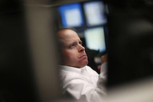 European Stocks Fall as German Bunds Gain on Economy Concern