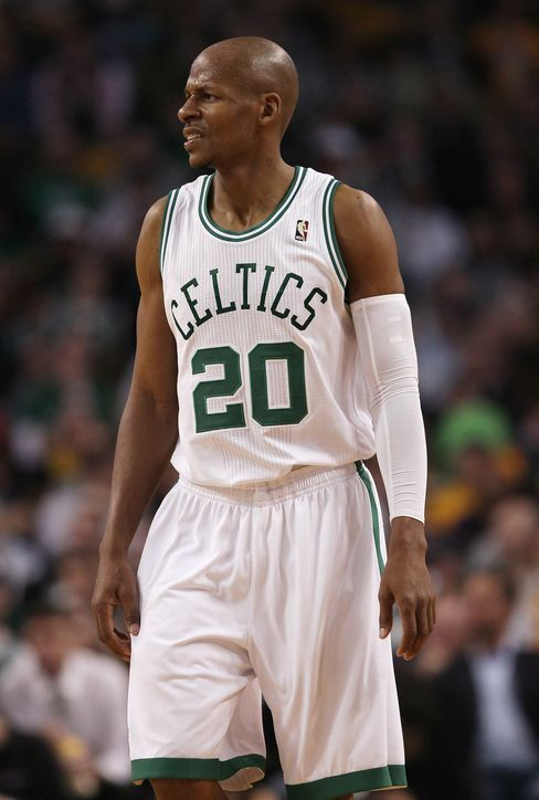 Boston's Ray Allen Sets NBA 3-Point Record in Loss to Lakers