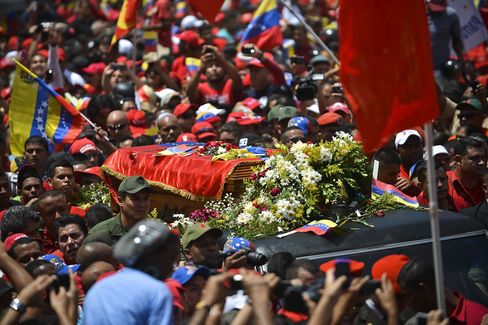 Chavez Funeral Draws Ahmadinejad, Sean Penn in Teary Tribute
