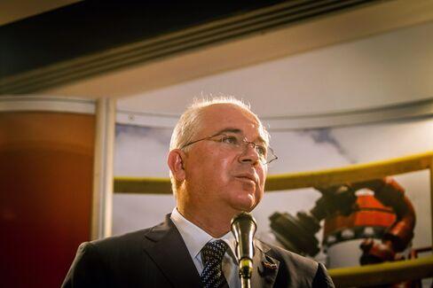 Venezuelan Economy VP Rafael Ramirez