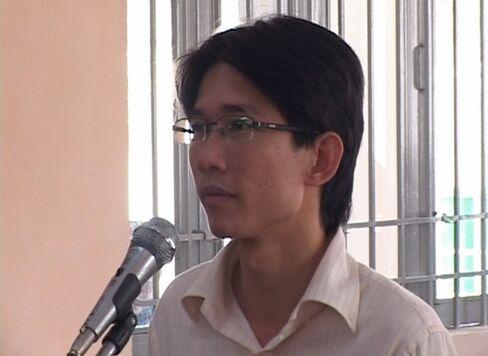 Blogger Dinh Nhat Uy
