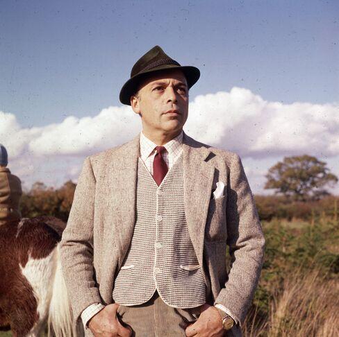 Herbert Lom, Twitching Policeman in 'Pink Panther,' Dies at 95