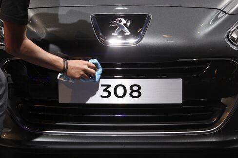 Peugeot Battles Cash Crunch as European Slump Enters Sixth Y