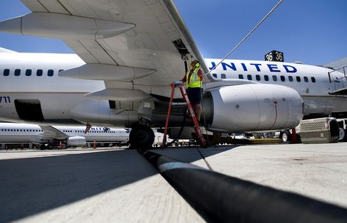 United to Halt Most NYC-Area Flights Tomorrow as New Storm Nears