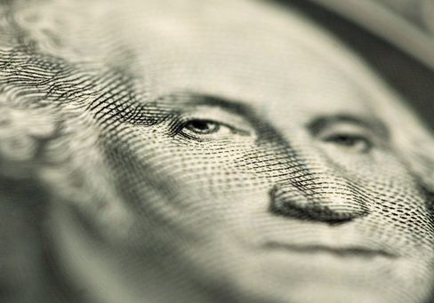 Bullish, Bearish Economy Forecasters Agree on Strong Dollar