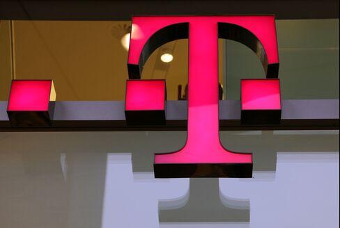 Deutsche Telekom Profit Tops Estimates on T-Mobile