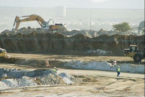 Lonmin Strikes Halt Output as Miners Seek Union Office Shutdown