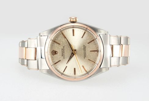 The 14 karat pink gold is so light here that it's almost beige.