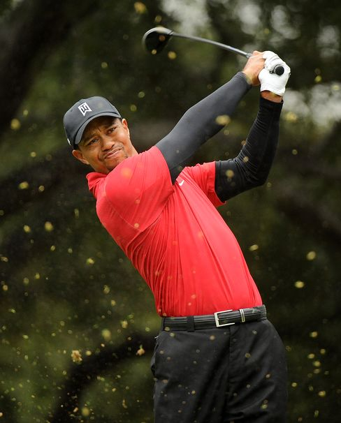Tiger Woods Loses to McDowell in Playoff