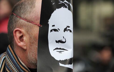 WikiLeaks Can Survive Swedish, U.S. Assange Probes