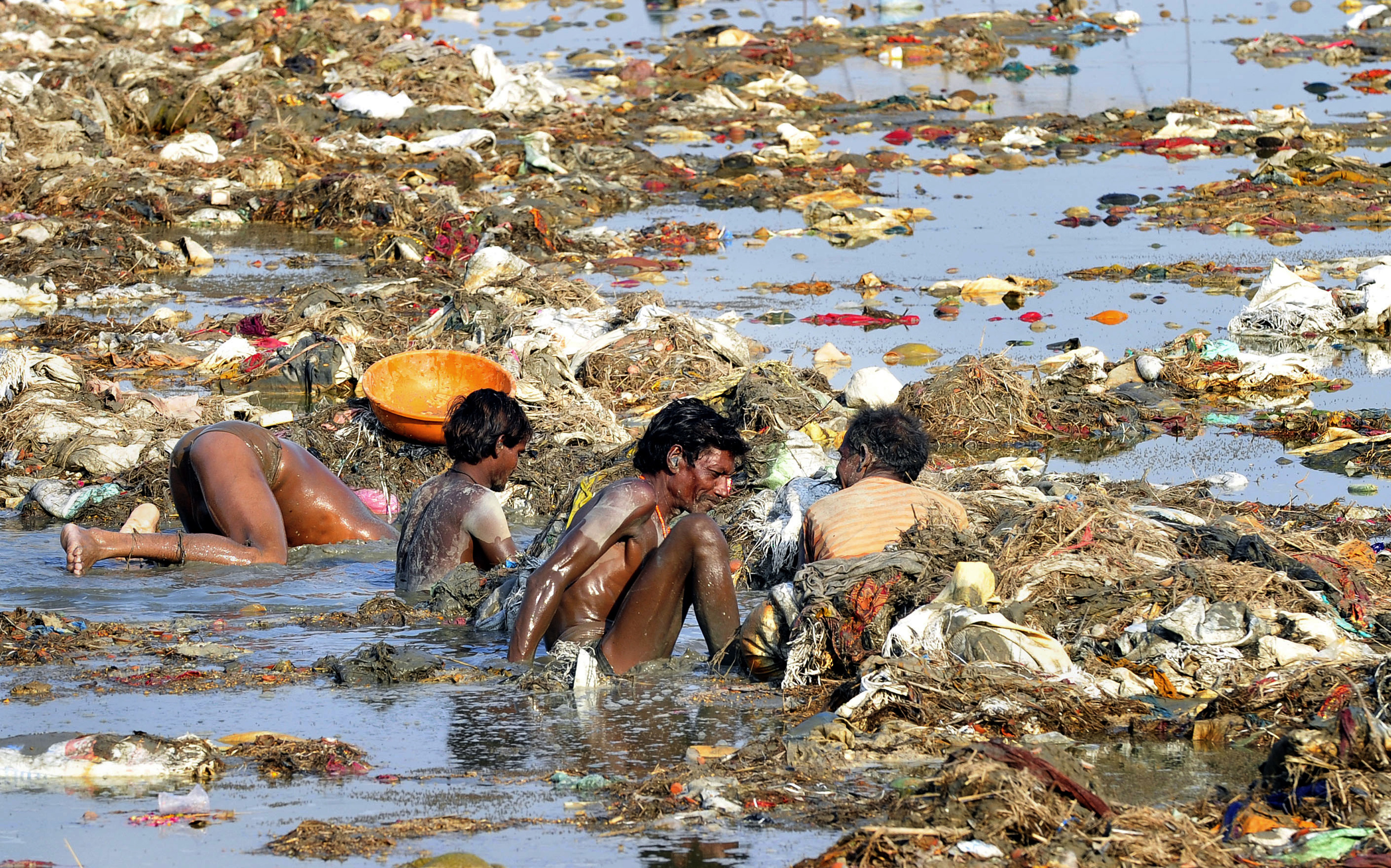 I need info about industry around the Ganges River?