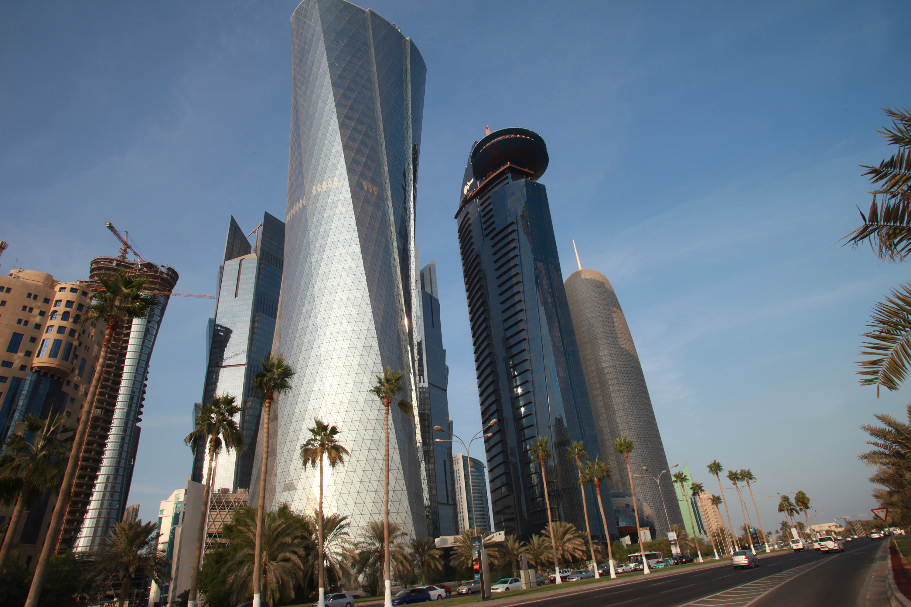 Can non-Qataris' Invest 100? in projects? Learn about the new Draft law…