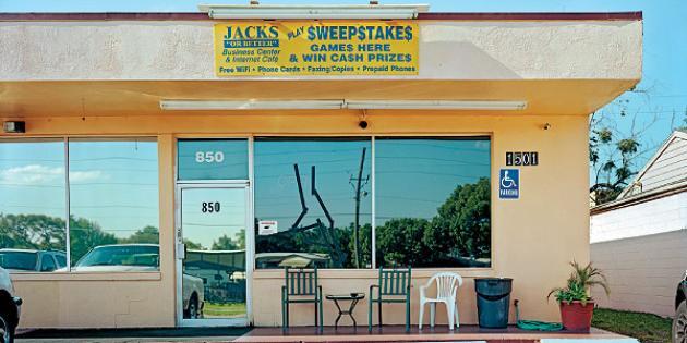 "Jacks ""Business Center and Internet Cafe"""