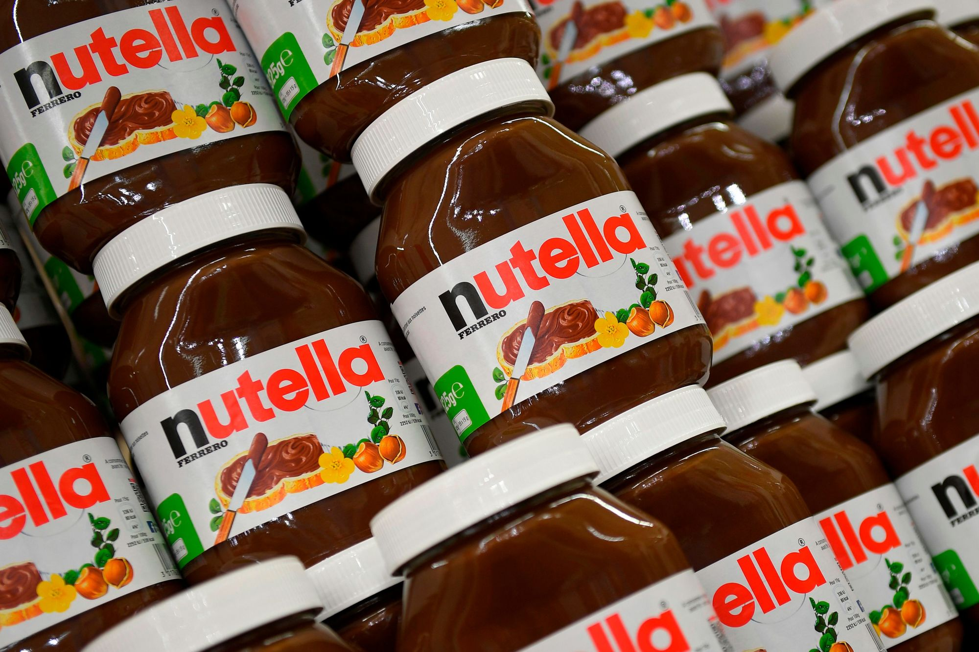 France Limits Supermarket Price Wars After Nutella Riots | Bloomberg