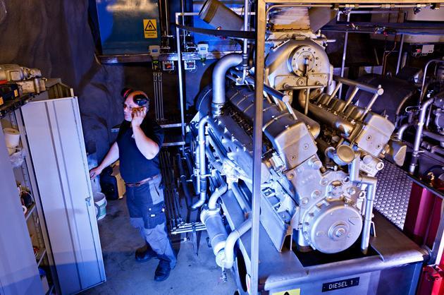 Submarine Engines