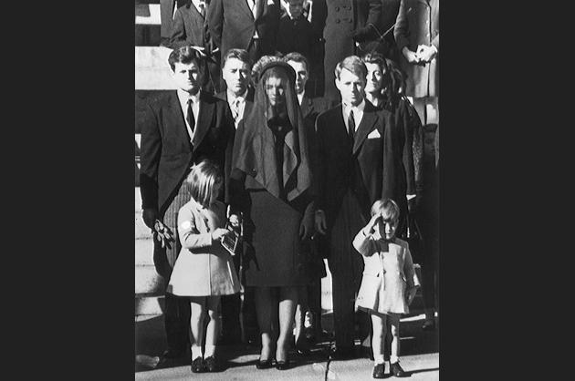 Kennedys Mourn