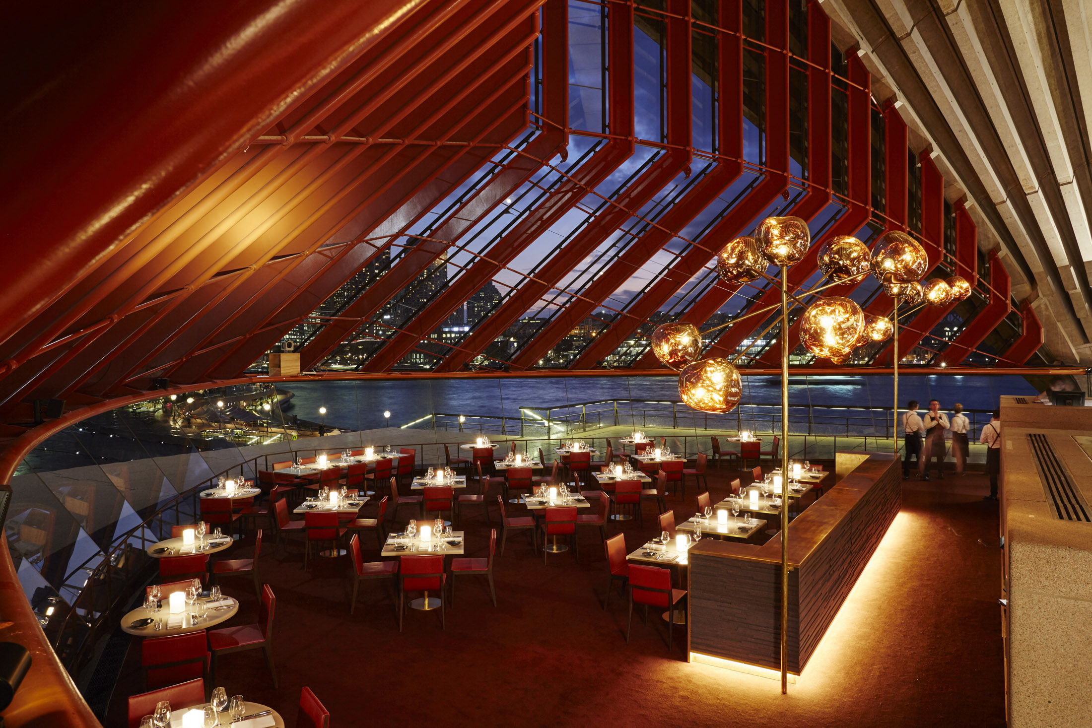 Bennelong Sydney Review: A Beautiful Restaurant at the Opera House - Bloomberg