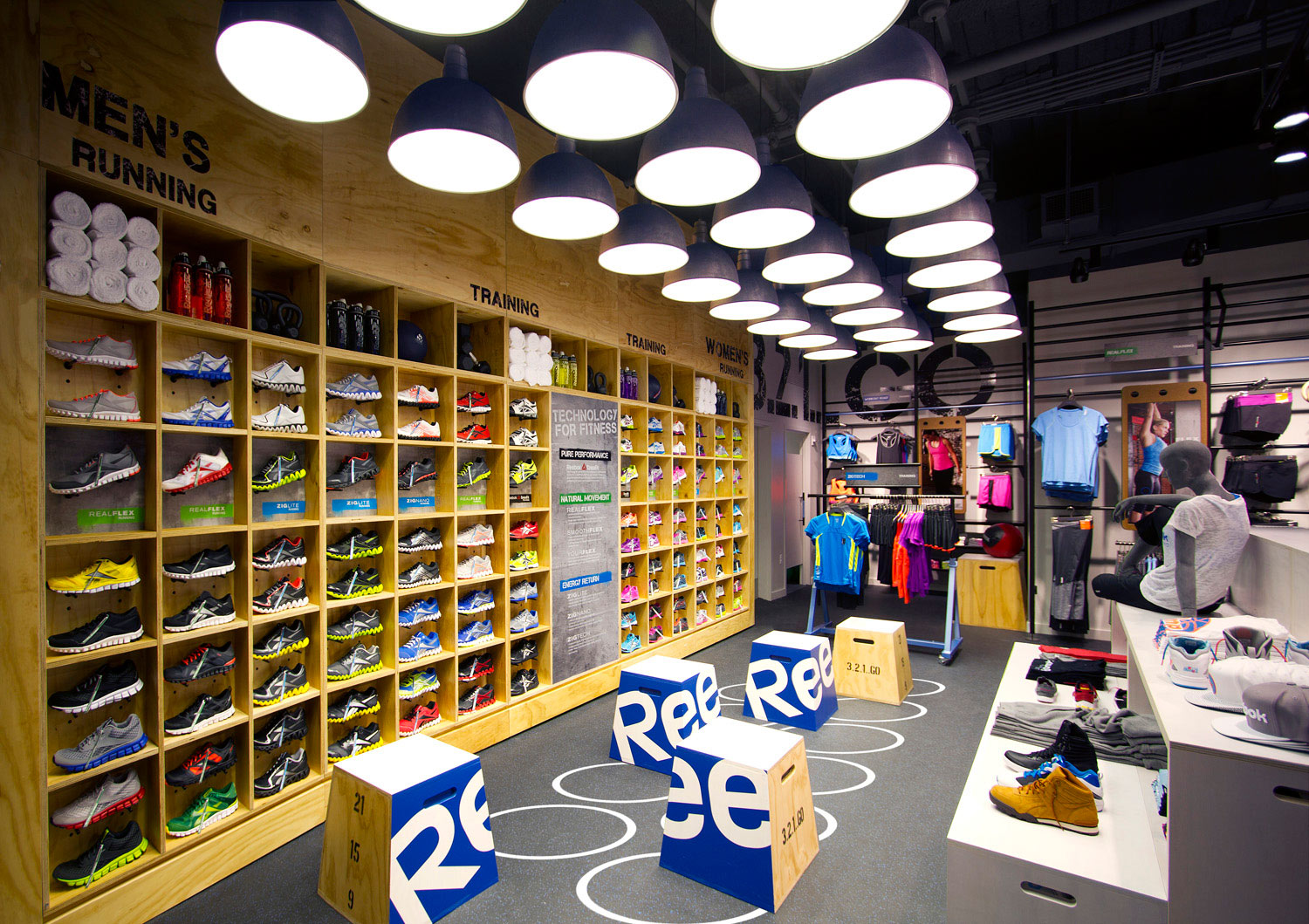 Reebok Outlet Shoes