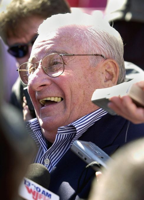 Art Modell, Who Shaped NFL, Moved Cleveland's Team, Dies at 87