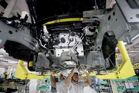 India Factory Output Misses Estimate Amid Economic Slowdown