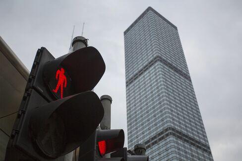 Cheung Kong 2012 Profit Falls as Disposal Gains Wasn't Repeated