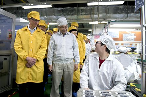 Foxconn Plans American Expansion as Clients Seek Made in U.S.A.