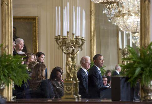 Obama Presses Congress to Tighten Gun Controls, Curb Violence