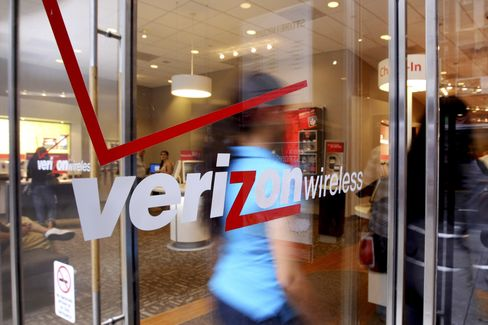 Verizon Agrees to $130 Billion Buyout of Vodafone Mobile Venture