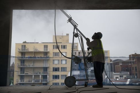 Apartment Projects Fuel Jump in U.S. Housing Starts