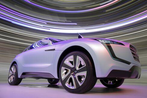 Subaru's 412% Surge Leads Carmaker to Debate Niche Status