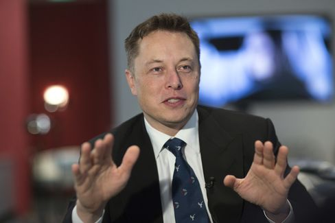 Musk Claim of Fewer Tesla Fires Questioned in Early MIT Research
