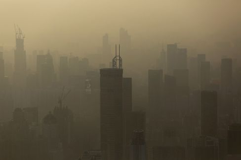 Smog Hangs in the Air in Shenzhen