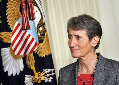 Obama Pick of Jewell Seen Promoting Expanded Energy at Interior