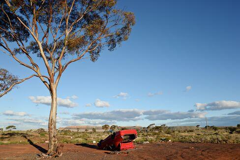 Australia Business Sentiment Slumps as Budget Blowout Confirmed